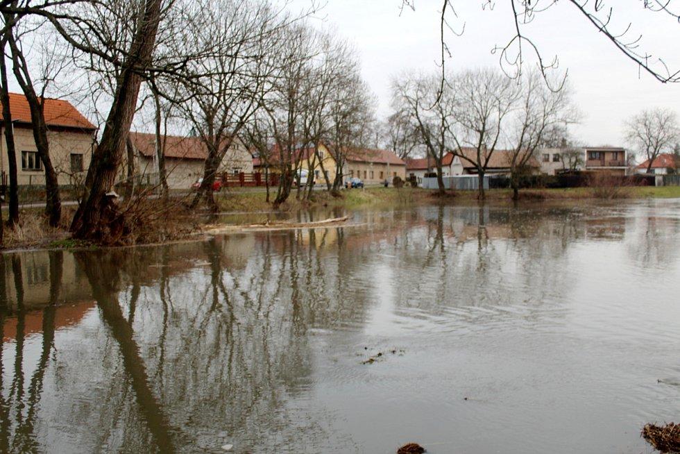 Cidlina v Opolanech.
