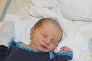 KRYŠTŮFKOVI VYBRAL JMÉNO TÁTA. KRYŠTOF KOŠVANEC se narodil 11. dubna 2017 v 20.47 hodin. Klouček vážil  3 560 g a měřil 52 cm. Je prvním miminkem maminky Evy a táty Davida. Ti věděli předem, že si domů do Nymburka odvezou synka.