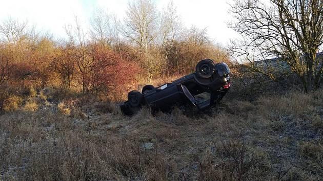 Hasiči v pátek zasahovali u několika nehod. Ke dvěma došlo u Sokolče, k jedné pak u obce Okřínek.