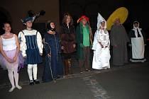 Lázeňským městem provádí každý pátek Bílá paní.