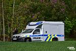 Tělo mrtvého muže, navíc polonahého, našel v neděli náhodný svědek z řad myslivců v lese v těsném sousedství Podolanky. Na Praze-východ nedaleko Brandýsa nad Labem-Staré Boleslavi.