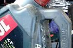 V kontejnerech se objevily i oleje, které tam být neměly.
