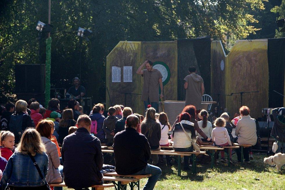 Festival na Rohu oživil dění v křineckém zámku a po vsi.