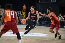 Z basketbalového utkání Ligy mistrů Galatasaray Istanbul - Nymburk (101:85)