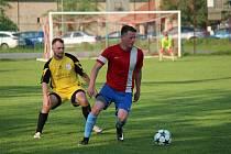 Z fotbalového utkání I.B třídy Pátek - Loučeň (5:0)