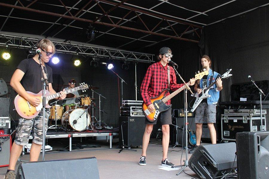 Festival přilákal do Letního kotle u nádraží na dvě stovky návštěvníků.