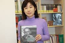 Kiyomi Hirano v Městské knihovně Nbk
