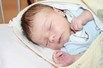 FILIP JE PRVNÍ. Filip Michl spatřil poprvé světlo světa 7. února 2015, 7 minut po druhé ranní hodině. Vážil 3 470 g a měřil 50 cm. Je první miminko v rodině Miroslava a Michaely z Městce Králové. Rodiče dopředu věděli, že se jim narodí kluk.