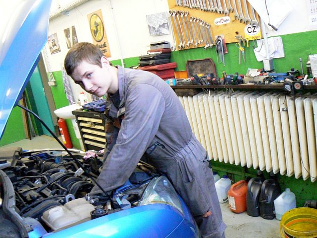 Budoucí automechanik Pavel Fidrmuc