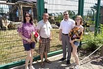 Chlebská Zoo oslavila nejhezčí medvědinec, za nějž získala ocenění Bílý slon.