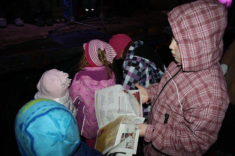 Koledy zněly nymburským náměstím Přemyslovců