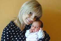 ANNA DVOŘÁKOVÁ se narodila 22. března 2018 v 8.18 hodin s délkou 47 cm a váhou 3 020 g. Na holčičku už se těšili rodiče Marek a Hana i sourozenci Jiří (12), Jaroslav (9) a Emily (7) z Dymokur.