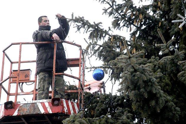 Z měst začala mizet vánoční výzdoba