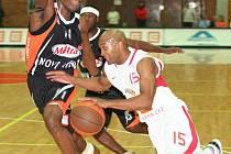 Z basketbalového utkání Mattoni NBL Nymburk - Nový Jičín (87:65)