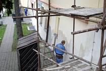 Poděbradské divadlo má opravenou fasádu