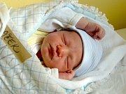 ELIŠKA A EMA MAJÍ BRÁŠKU. Jakub Mraček se rodičům Radkovi a Haně narodil v pátek 10. listopadu 2017 v 18.41 hodin s mírou 48 cm a váhou 3 310 g. Doma v Nymburce už se na něj dopředu těšili.