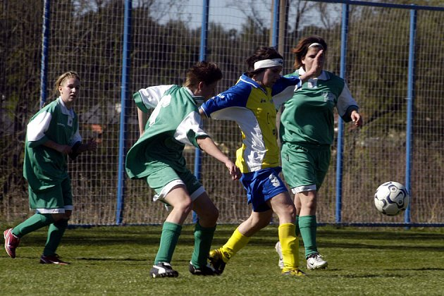 Utkání rozhodli ženy Staré Lysé až ve druhém poločase.