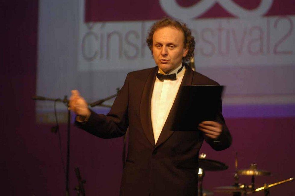 Jaroslav Dušek se ujal moderování Čínského festivalu v Nymburce