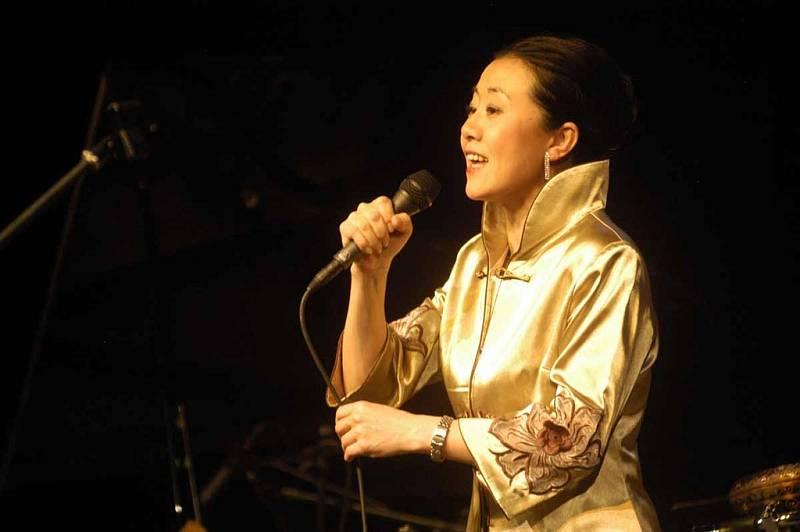 Hlavní organizátorka zazpívala s kapelou Trio PUO extra band