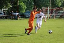 Z okresního fotbalového derby krajské I.B třídy Sokoleč - Bohemia Poděbrady (3:0)