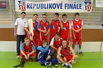 Třetí místo vybojovali florbalisté EKO gymnázia Poděbrady na republikovém finále.