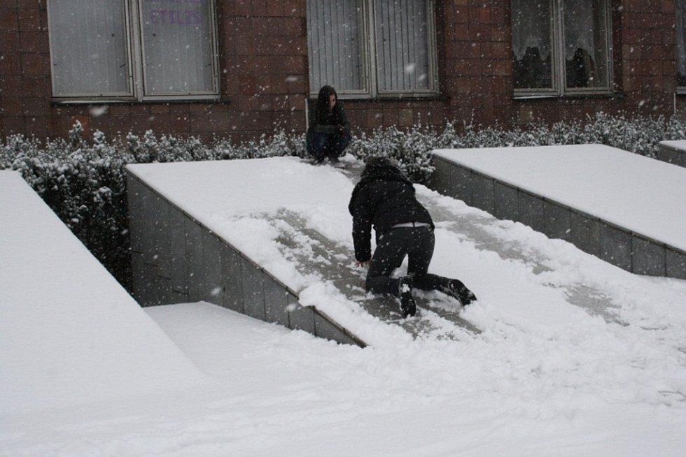 Do Nymburka se vrátila zima.