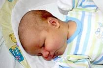 HONZÍK BYL PŘEDEM PROZRAZENÝ CHLAPEC. Jan Poklop se narodil 21. ledna 2015 ve 12.29 hodin. Vážil 3 980 g a měřil 52 cm. Domů do Křince si jej odvezou rodiče Monika a Jan.