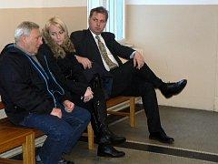 Vpravo obžalovaný primář nymburské interny
