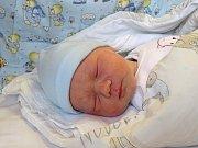 KRYŠTOF VÁVRA se narodil 9. ledna 2018 ve 22.44 hodin s výškou 49 cm a váhou 3 120 g. Chlapeček bydlí v Hořátvi s rodiči Romanem a Marií a bráškou Romanem (4).