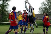 Fotbalisté Loučeně se i v letošní sezoně zachránili.