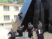Ve školním policejním středisku v Sadské a u přilehlého jezera se konalo Mistrovství republiky v policejním víceboji.