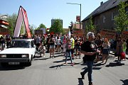 Protesty v Nymburce při jednání sjezdu komunistů a maškarní průvod.