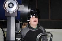 Ve středu po páté hodině ráno sledovali nadšenci pro astronomii přechod Venuše přes sluneční kotouč na nymburské hvězdárně.
