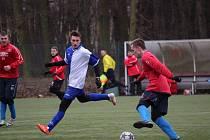 Z fotbalového utkání na kolínském zimním turnaji Libice nad Cidlinou - Velim (1:4)