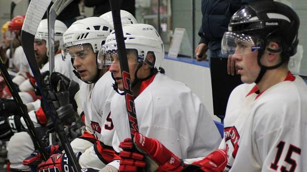 CÍLE JE JASNÝ. Hokejisté Poděbrad se chtějí probojovat v letošní sezoně do vyřazovacích bojů