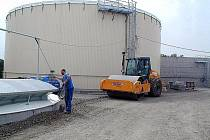 Kněžická bioplynová stanice se má do budoucna rozšířit.