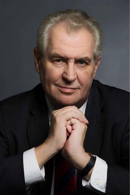 Portrét Miloše Zemana, který bude viset na školách a úřadech