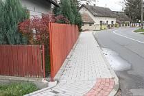 Nový chodník v ulici Černohorská v Dymokurech