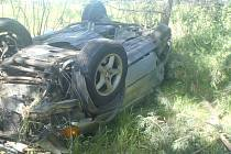 Dopravní nehoda 6. června 2021 u Poděbrad, při které vylétlo auto z dálnice.