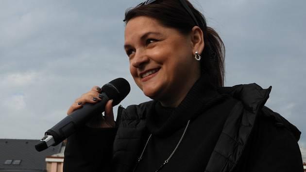Tváří odpoledne plného skvělé muziky bude na výstavišti v Lysé nad Labem zpěvačka Magda Malá.
