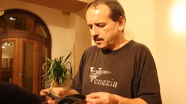 Autogramiáda Vlasty Redla.