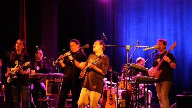 Koncert Vlasty Redla s kapelou a s křestem knihy a CD.
