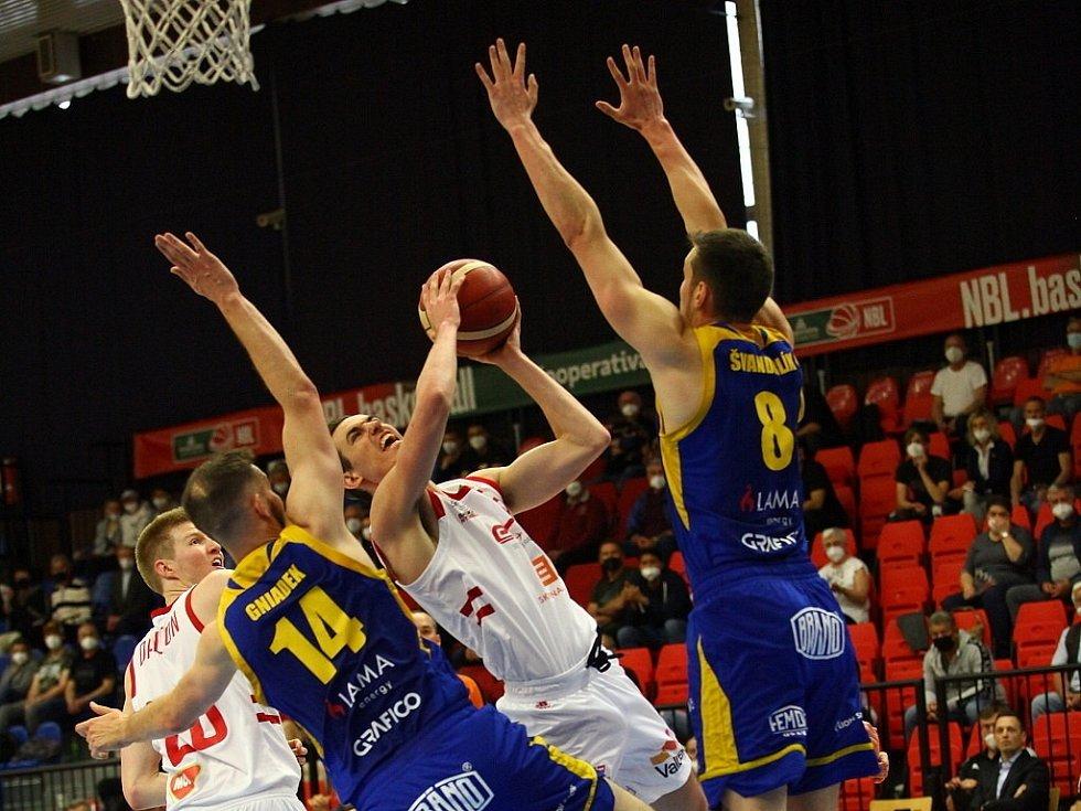 Z prvního finálového utkání Kooperativa NBL Nymburk - Opava (102:73)