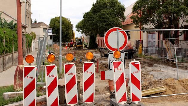 Rekonstrukce Revoluční ulice v Poděbradech.
