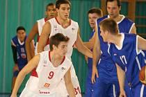 Basketbalové derby druhé ligy vyznělo lépe pro košíkáře nymburské rezervy, kteří porazili Poděbrady o šest bodů