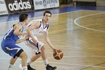 Z basketbalového utkání nejvyšší soutěže mužů Poděbrady - Opava (85:106)