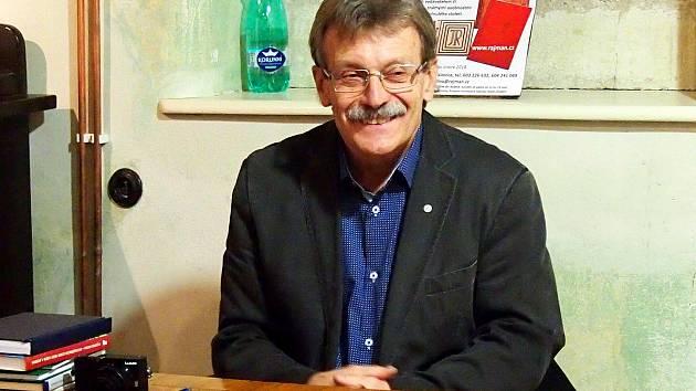 Na zahájení výstavy dorazil i spisovatel Jan Řehounek.