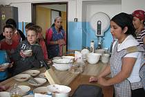 V milovické základní škole měly děti možnost seznámit se s romskými tradicemi a historií.