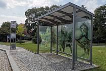 Na části zastávek v Poděbradech chybějí lavičky.