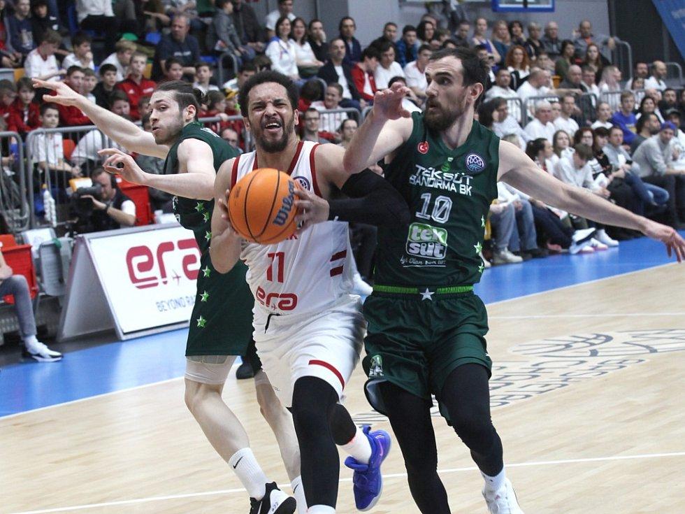 Z basketbalového utkání Ligy mistrů Nymburk - Bandirma (92:70)